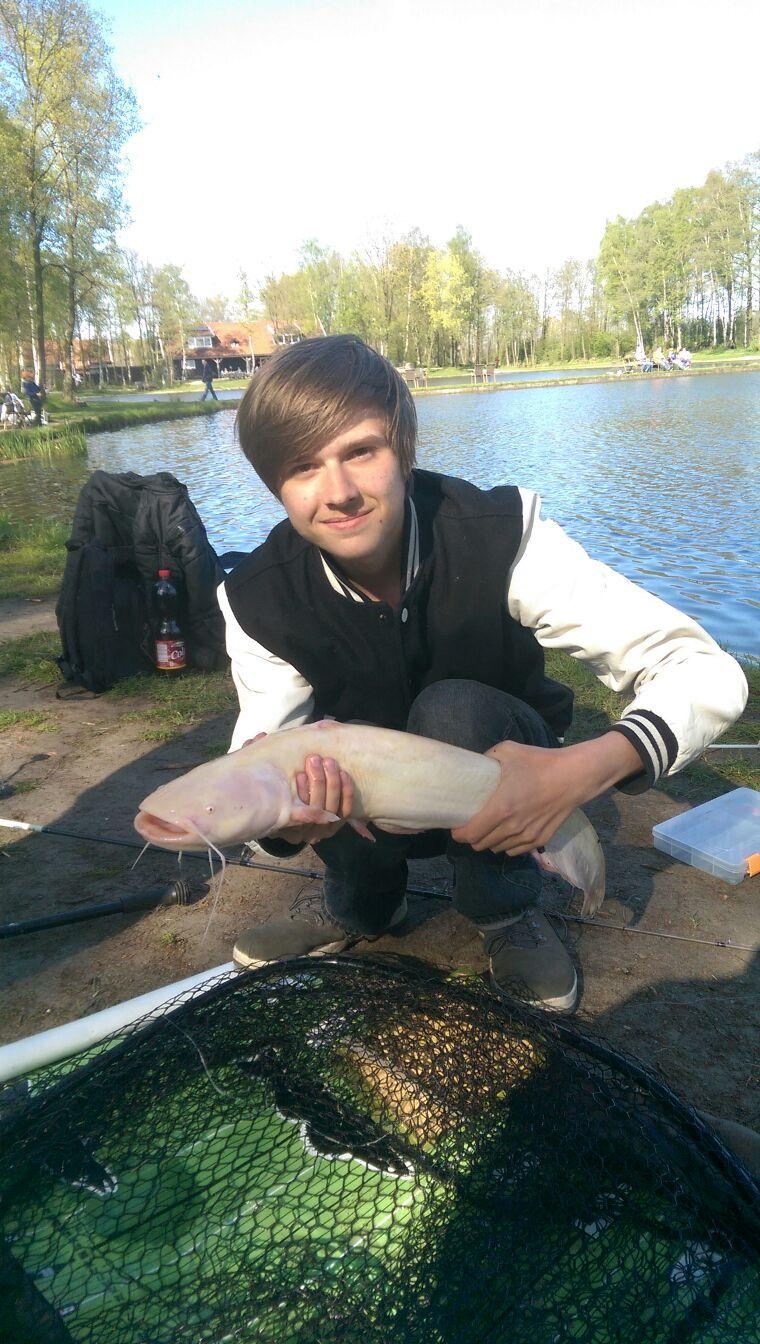 Alex mit einem wunderschönen Albino Wels
