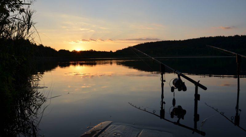 Sonnenuntergang beim Karpfenangeln